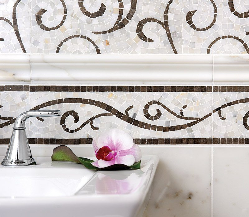 The Lace Collection also includes borders, a sinuous and thoughtful finish to this design in the Curve pattern.